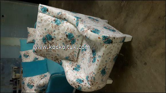 mavi çiçekli tekli koltuk