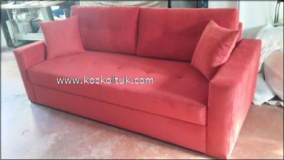 kırmızı üçlü koltuk