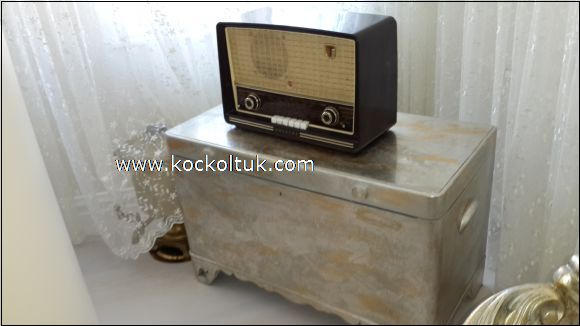 eski radyo sandık