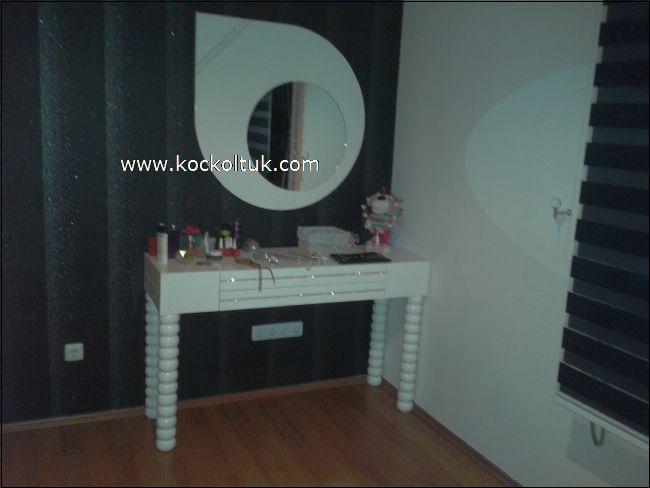 ışıl tuvalet masası